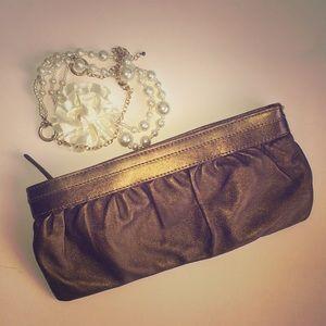 Express Bronze clutch ✨